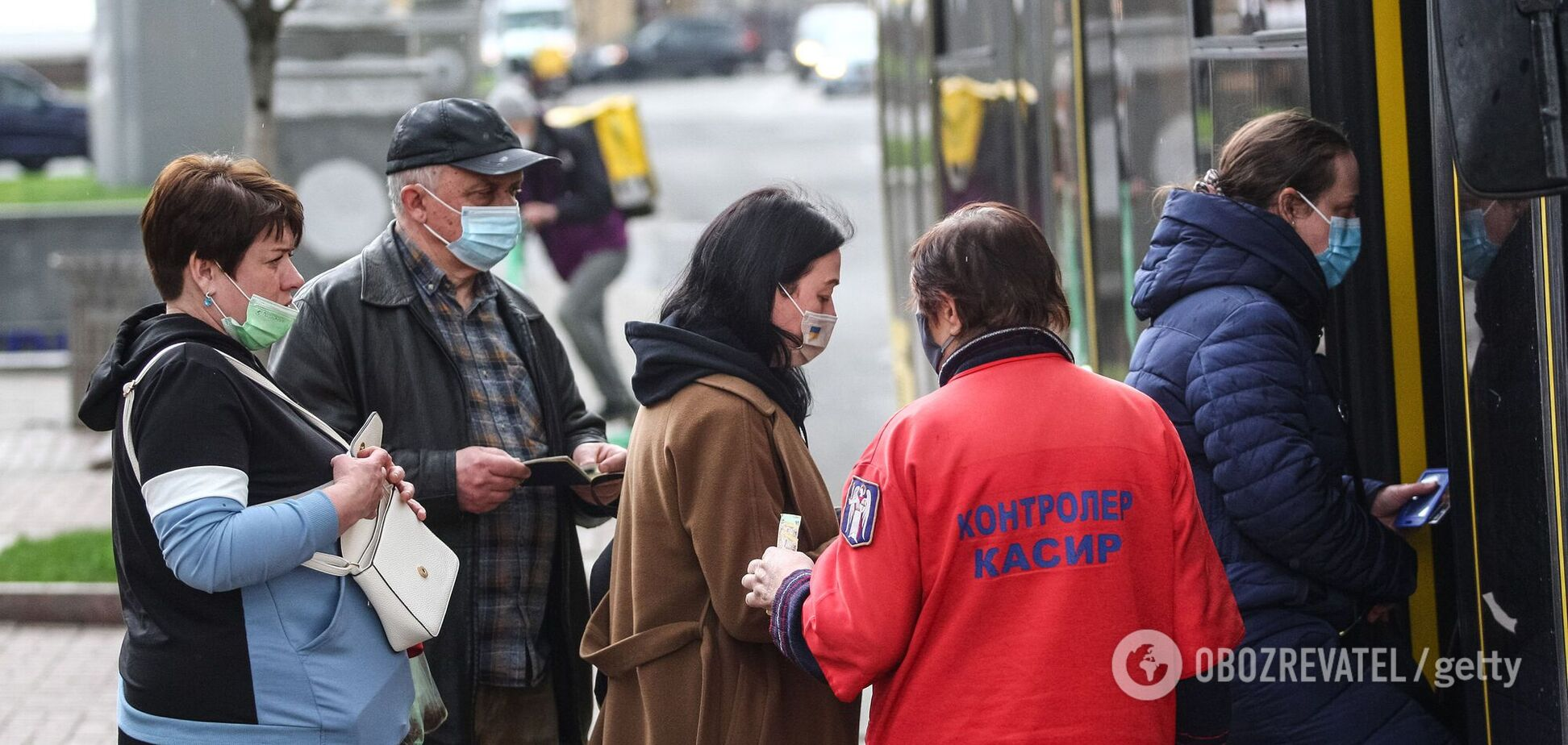 МОЗ України уточнило, які обмеження будуть у карантинних зонах. Інфографіка